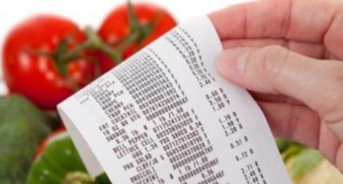 Price War Drives UK Grocery Deflation to Record Low