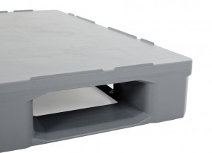 Rounded corners on all sides ensure a smooth transition through automated conveyor systems.