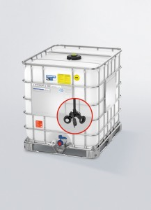 IBC with integrated impeller: With this self-contained packaging system, after filling, the container remains permanently closed and sealed all along the supply chain until the product is to be used.