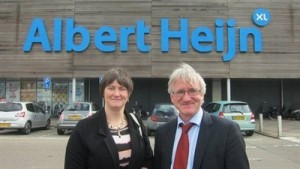 John Mackle and Elaine Hall, Mackle Petfoods, pictured outside an Albert Heijn store in the Netherlands.