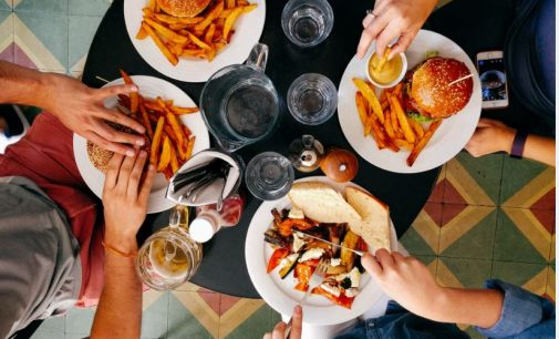 UK Restaurant Numbers Fall 2% in a Year