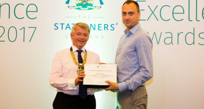 Parkside Wins UK Innovation Award For Reclosable Crisp Bag