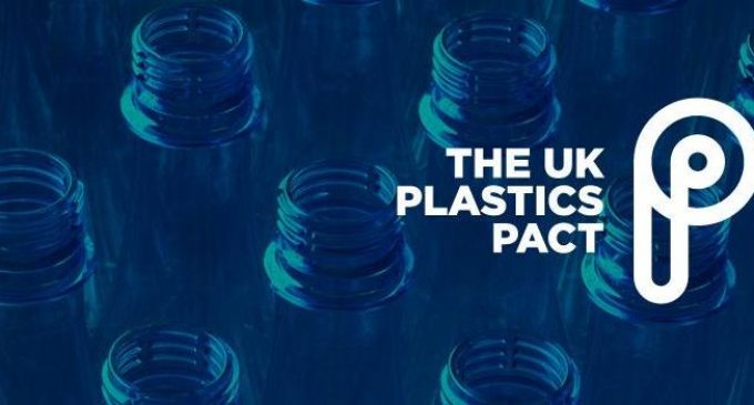 UK Businesses Make World-leading Pact to Tackle Plastic Pollution