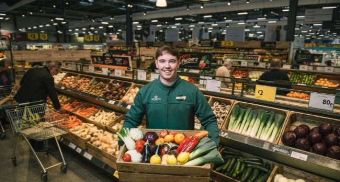 Morrisons to Introduce Plastic-free Fruit and Veg Areas to Help Customers Buy Bagless